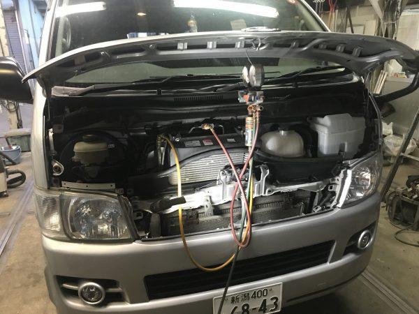 トヨタ ハイエース KDH206V エアコン A/C 熱い 冷えない ガスはある 新潟市 南区